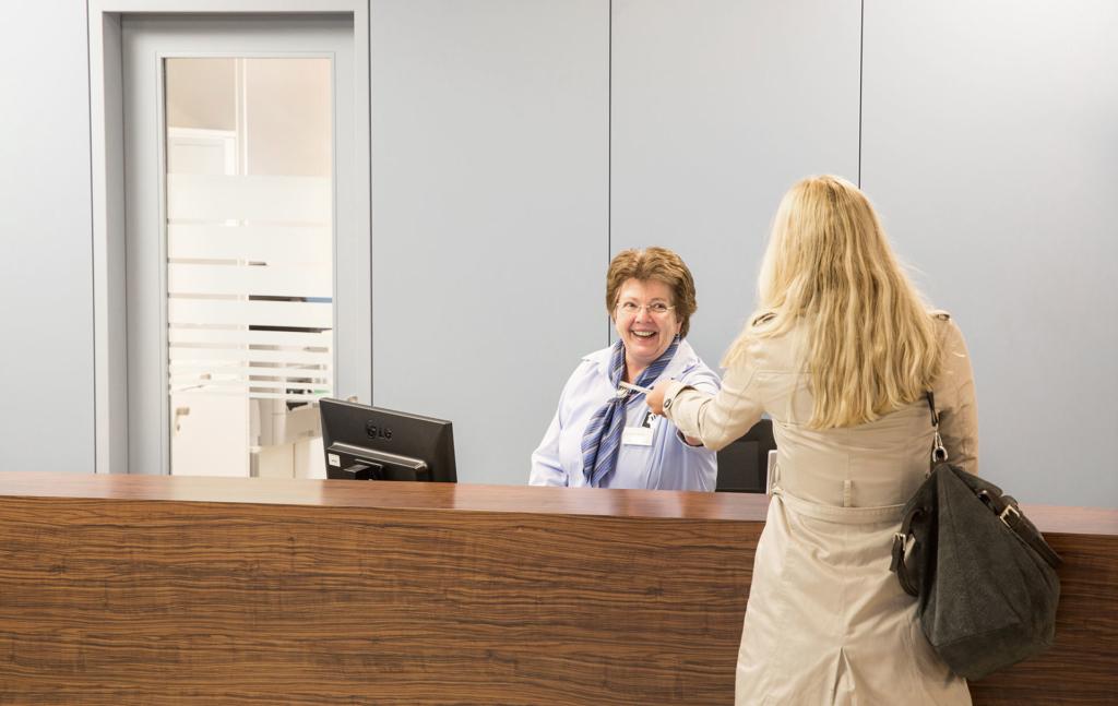 Photo-Krankenhaus-Rezeption-Patient